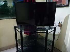 32 inch LED TV(2 months Old) with DishTv and TV Stand