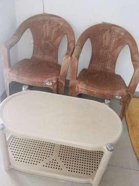 Neelkamal 2 chairs and table