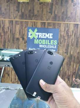 One plus 5 brand new PTA APPROVED  available extreme mobiles