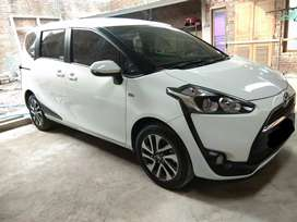 TOYOTA SIENTA V MANUAL MT 2017