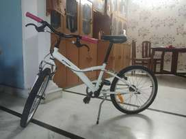 Btwin 20 inches for 6 to 10 years old