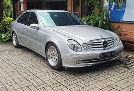 Jual cepat Mercedes Benz E240 Avg CBU Km Rendah (W211)