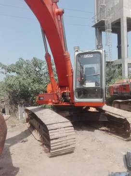 Excavator Ex200 Grader 140G available