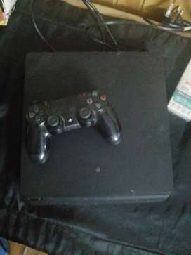 Ps 4 slim + 6 CDs on sale very low price