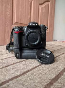 Nikon D7000 with battery Grip