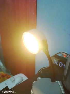 Lampu belajar philip table light 67413
