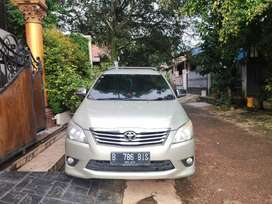 Toyota Kijang Innova 2.0 G Bensin MT 2013