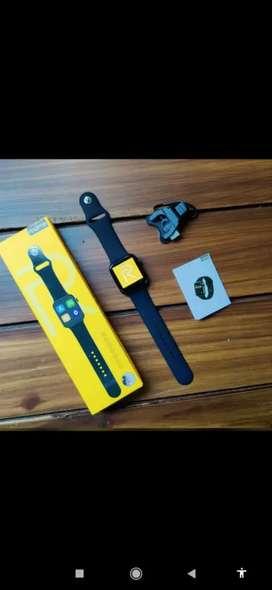 Premium realme cellular smartwatch CASH ON DELIVERY price negotiable