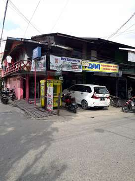 Dijual rumah jalan utama