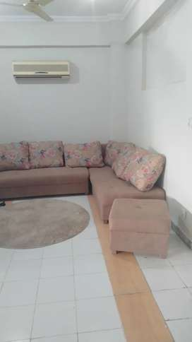 Room availble For Rent In Crown Tower For Female