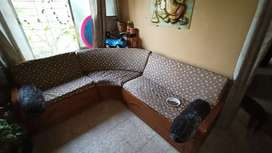 Sofa 3 pieces good condition with lot of storage