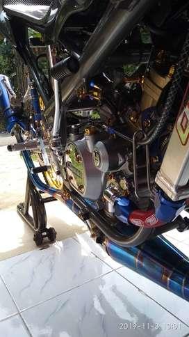 Kawasaki ninja rr 150 SE thn 2013 bln 12 surat2 komplit stnk bpkb pktr