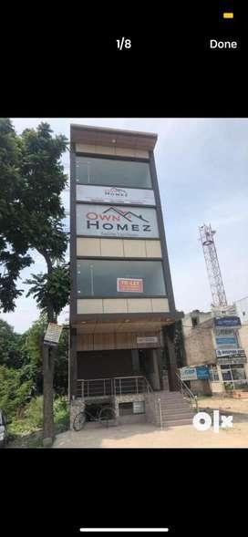 1200sqft showroom for rent in zirakpur on highway, silvercity