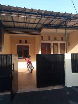 Dijual rumah cluster di kampung tengah