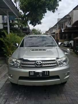 Fortuner G AT turbo diesel th 2010