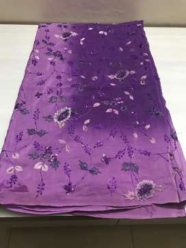 Pure crepe saree 80gr. Hand embroiderd