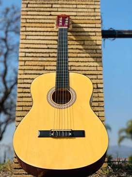40% off Spanish Classic Nylon String Guitar