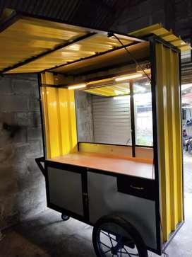 Rombong gerobak booth container dg roda ukuran roda motor, siap jualan