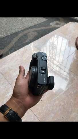 Sony A6300 + lensa kit