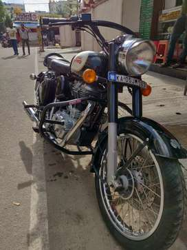 Royal Enfield classic 350 black for sale ( Good as new ) Single owner