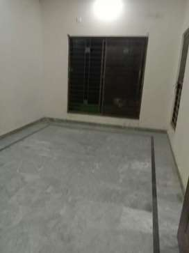 Independent single room for bachelor's