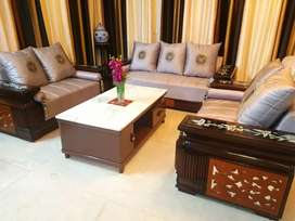 ENTIRE BUNGALOW FURNITURE/FURNISHINGS FORSALE