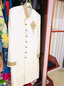 Sherwani+Aitchison style kula Off-white clr with white beautiful Mala.