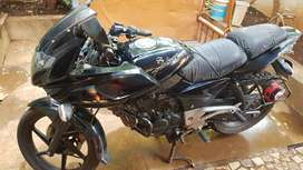 BAJAJ PULSOR 220 F BEST MAINTAINED NEW TYERS & BATTERY
