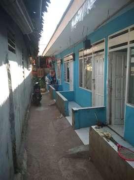 Dijual rumah kontrakan 4 pintu, dimana 1 pintu terdapat 5 ruangan