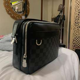 FS : Louis Vuitton Trocadero Messenger NM PM