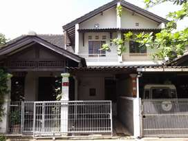 Rumah Dikomplek Margawangi Ciwastra