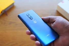 Oneplus 4g volte dual sim with original dash charger available.  finge