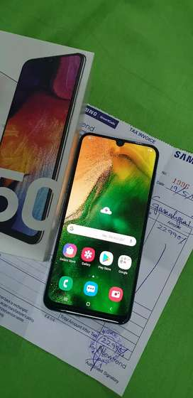 Samsung Galaxy A50 6GB ram, triple camera,  new condition,
