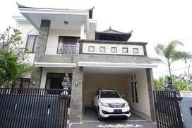 Disewakan bulanan rumah 2 Lantai di Jalan Siulan, Denpasar Timur