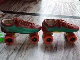 Skating shoes number 7. wheeled 65mm