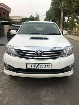 Fortuner 4*2 automatic 2015 model