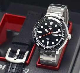 jam tangan seiko black silver date on fullset realpict no bokis