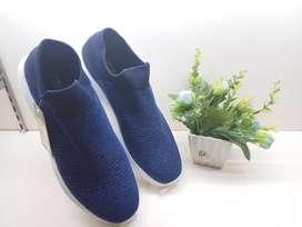 Sepatu Sneakers Conae Biru