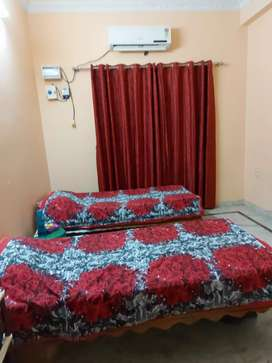 Ladies fully furnished luxurious pg at tolichowcki