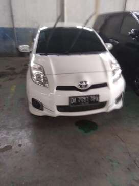 Toyota Yaris E Manual 2013