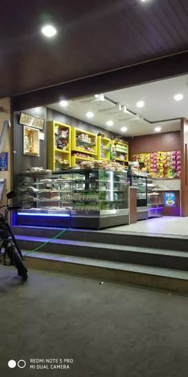Bakery cut restarent with kitchen for sale