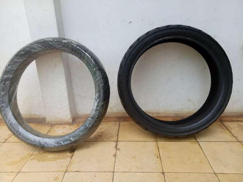 Ban tubles depan (90/80) belakang (120/70) ring 17 0
