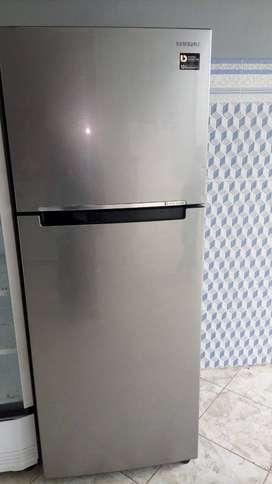 Jual kulkas 2 pintu jumbo merk Samsung sdh inverter siap pakai