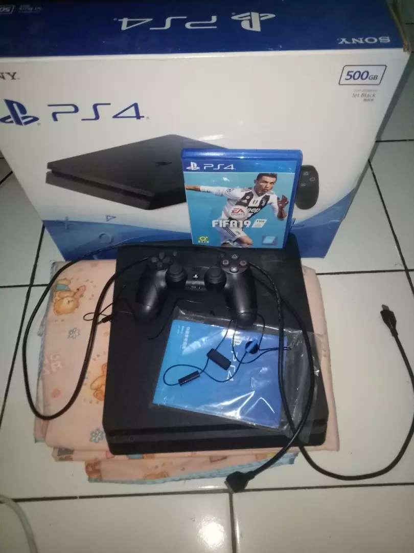 Sony PlayStation 4 0