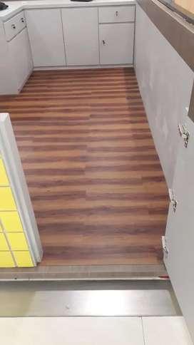 Vinily flooring & prabot projek center poin
