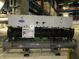 Carrier Water Cooled Chiller 375 ton Year 2006