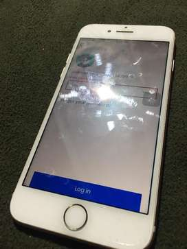i phone 7 32 gb rose gold colur brand new condion bil and charger only