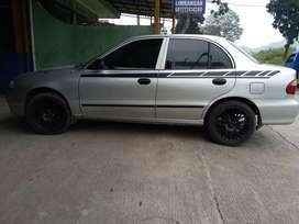Hyundai accent MT 2001