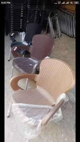 Shahi Rattan plastic chairs and table by boss