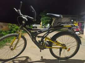 Selling my cycle, slightly Negotiable